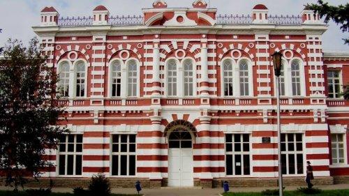 Здание школы № 1,достопримечательности прочее,Азов