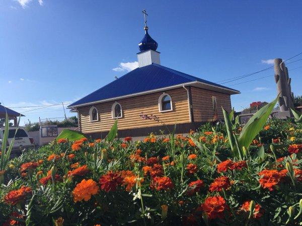 Церковь Спаса Нерукотворного, Православный храм,  Октябрьский