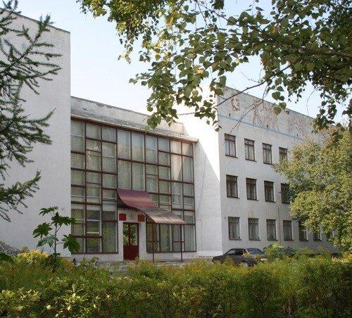 Дворец детского и юношеского творчества ( ДДиЮТ ) ,,Октябрьский