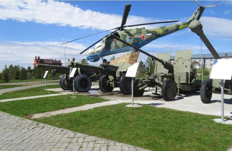 Военная техника,Памятник, скульптура,Тюмень