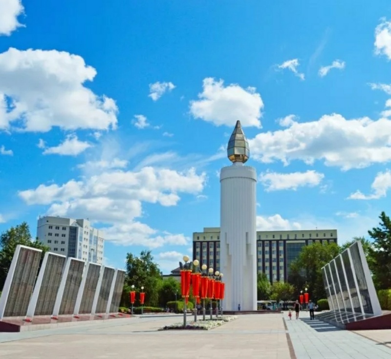Площадь Памяти,Памятник, скульптура,Тюмень