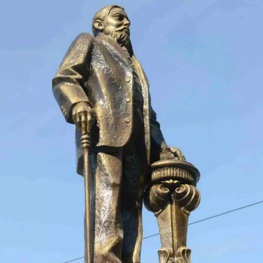 Памятник Николаю Чукмалдину,Памятник, скульптура,Тюмень