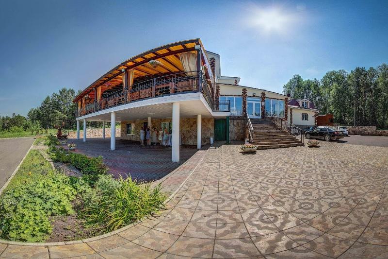 Ресторанно-гостиничный комплекс Роев Ручей,Ресторан, Банкетный зал, Гостиница, Баня,Красноярск