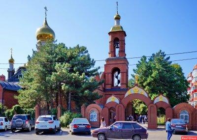 Храм Святой Троицы,Православный храм,Азов