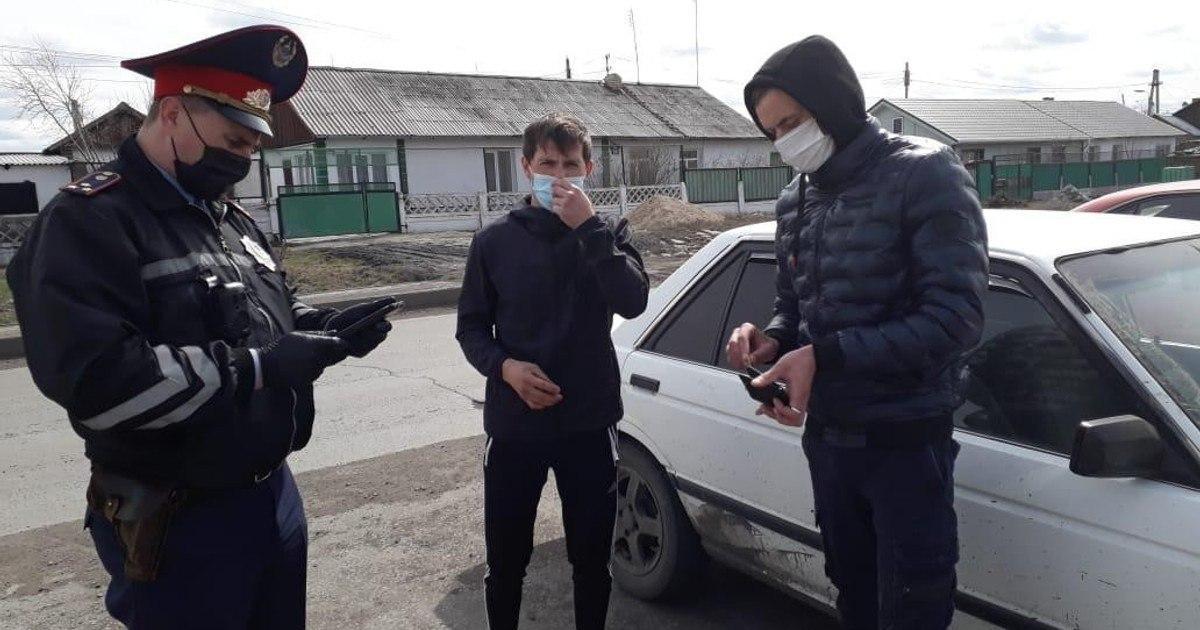 Водитель и пассажир авто арестованы за нарушение карантина в Шахтинске