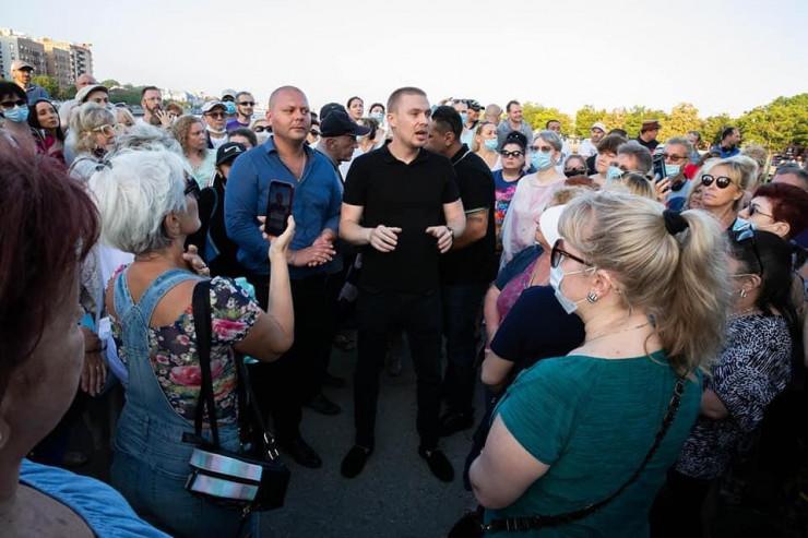 Бывший житель Шахтинска создал в Нью-Йорке общественное движение по защите горожан от погромов и грабежей