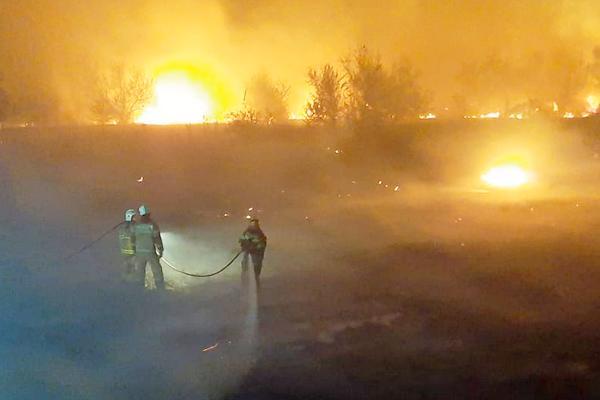 АЗОВСКИЙ РАЙОН : потушили ночной пожар по повышенному рангу