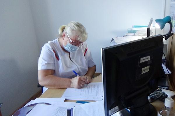 МБУЗ ЦГБ Азова : осталось шесть терапевтов на две поликлиники