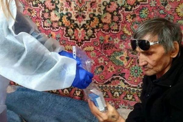 Более 80 ковидных больных Азовского района получили бесплатные лекарства