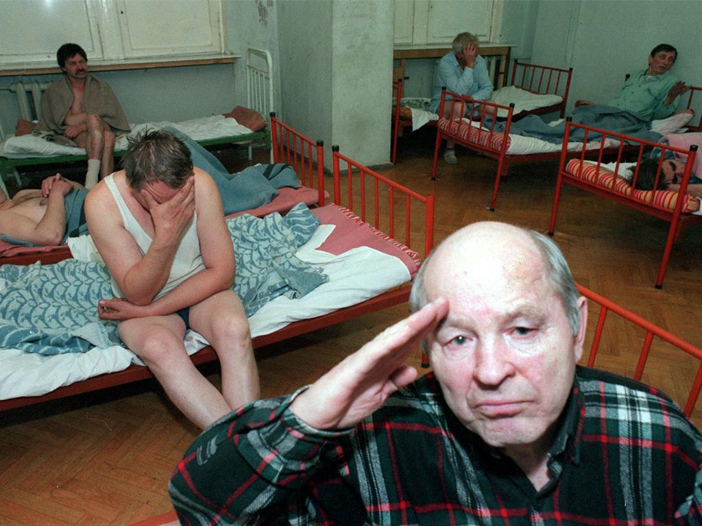 Принят закон о вытрезвителях + 🎥 История - Вытрезвители в СССР