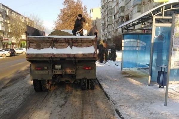 ❗ О качестве уборки снега в Азове