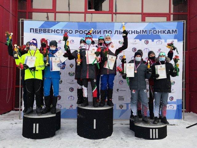 Можгинец Илья Курбатов в составе юниорской сборной Удмуртии по лыжным гонкам занял третье место в эстафете на первенстве России в Тюмени