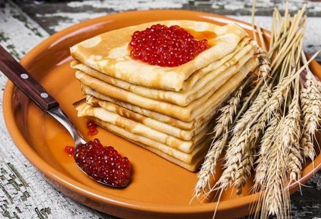 В Красноярске повысили цену на продукты для блинов на Масленицу