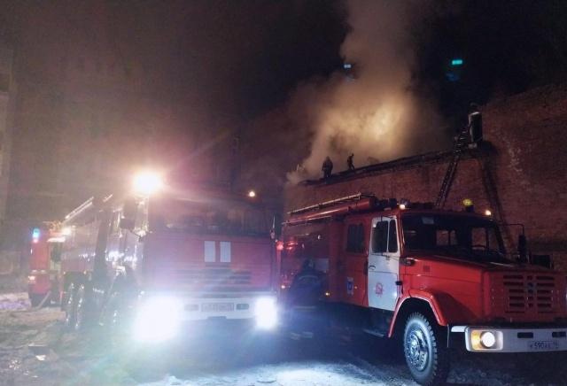 В МЧС установили причину крупного пожара на мясокомбинате «МаВР»