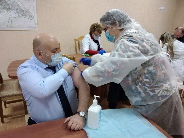 В Азове стартовала кампания по выездной вакцинации
