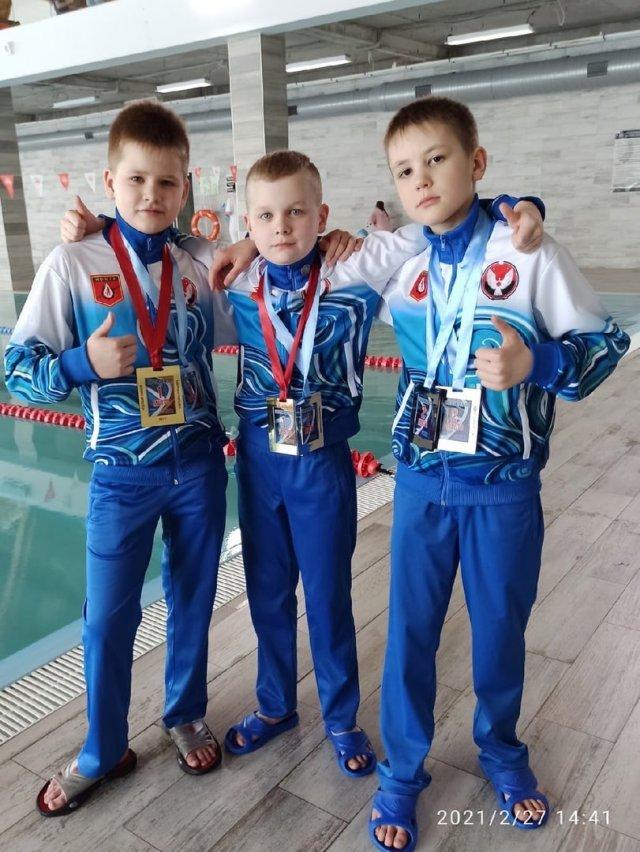 На фото юные пловцы из Можги. Вчера они завоевали 6 медалей на Открытом кубке Ижевска (IZHEVSK OPEN CUP).