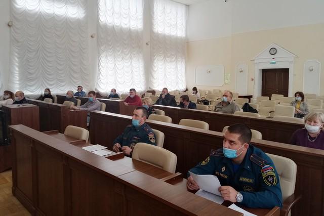Администрация г Азов : о воде, огне и другом
