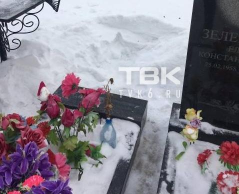 На красноярском кладбище «Бадалык» с могил воруют памятники