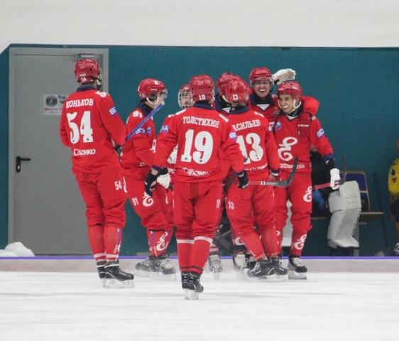 В Красноярске за час были раскуплены билета на финал чемпионата по хоккею с мячом
