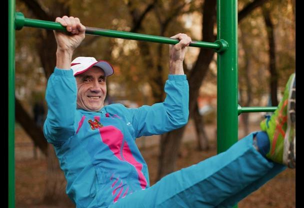 Житель Красноярска подтянулся 4 тысячи раз и побил мировой рекорд