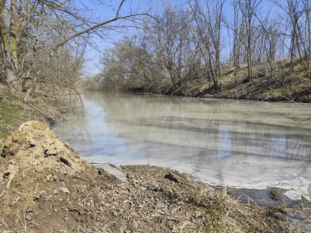 В Азовском районе  выявлен факт незаконного сброса канализационных стоков