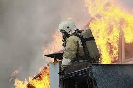 В Азове в посёлке Солнечный горел частный дом