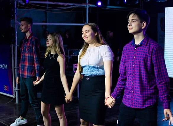 «Молодая волна» - Азовчане завоевали приз зрительских симпатий конкурса талантов регионального форума