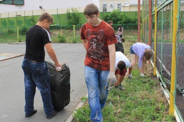Работающим подросткам на Дону вернут доплаты к пенсиям по инвалидности