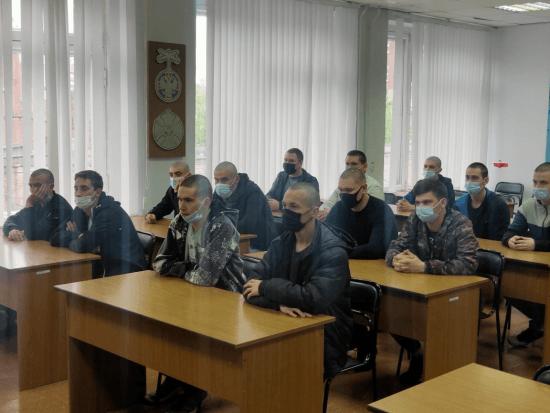 В Азове состоялась отправка в армию группы призывников