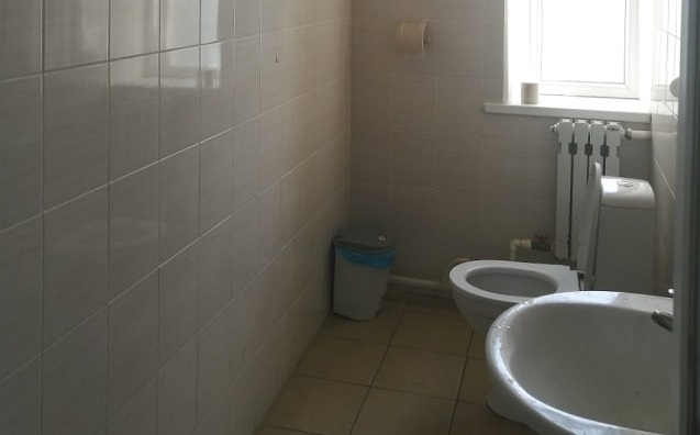 Туалет школы в станице Елизаветинской Азовского района попал в топ-6 худших школьных туалетов страны
