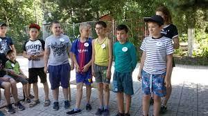 В Дни летних каникул в азовских школах начнут работу пришкольные лагеря.