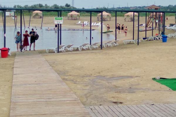 В Азове разрешили купаться только на двух пляжах