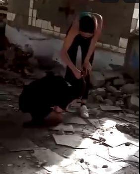 В Ростовской области  школьница жестоко избила свою сверстницу в заброшенном здании