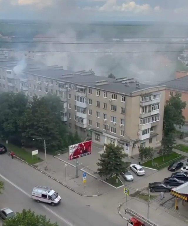 В Азове  в однокомнатной квартире на Московской 61 произошёл пожар.