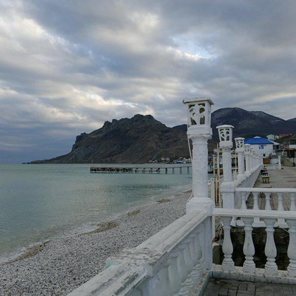 Феодосия и Коктебель в Крыму стали элитными курортами - Добро пожаловать обратно в СССР.