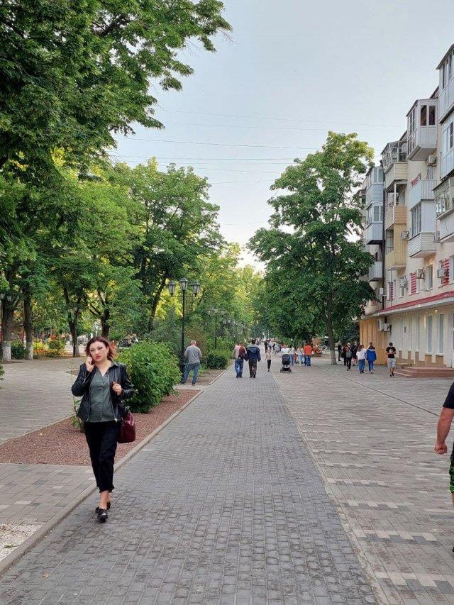 Глава администрации Азова  озадачился благоустройством Петровского бульвара