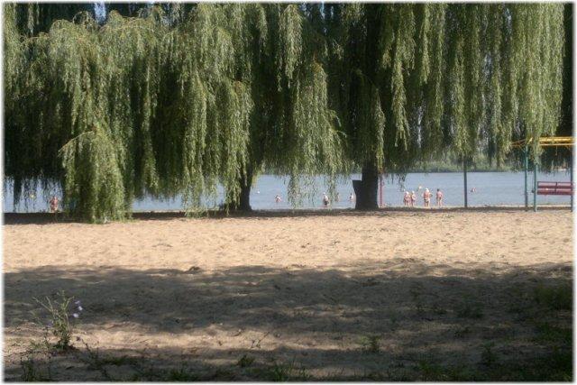 Роспотребнадзор не рекомендуют купаться в водоёмах Азова и Азовского района.