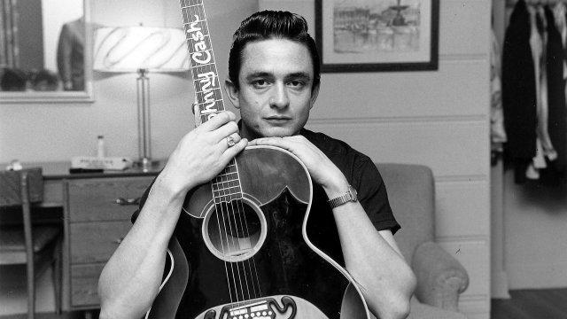 """""""У меня слишком короткие руки, чтобы боксировать с Богом"""": проповедник с гитарой"""