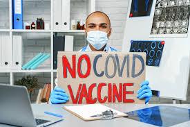 Каждый десятый россиянин готов уволиться из-за обязательной вакцинации от ковида