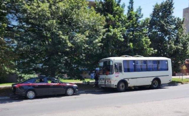 Власти Азова наградят водителя автобуса, доставившего раненых в больницу.