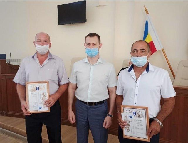 Сегодня в администрации Азова прошло награждение Армена Сафаряна и Олега Минаенко