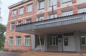 Закрывают единственную школу на ул. Глинки в Красноярске: подвоз детей в другой район организовывать не будут