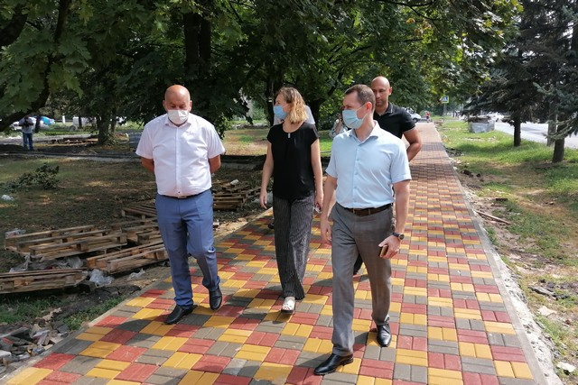В Азове реализуется большое количество проектов по благоустройству городской территории