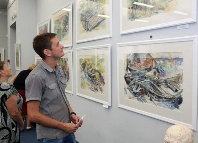 В Азове в «Меценате» представлена выставка «Этюды»