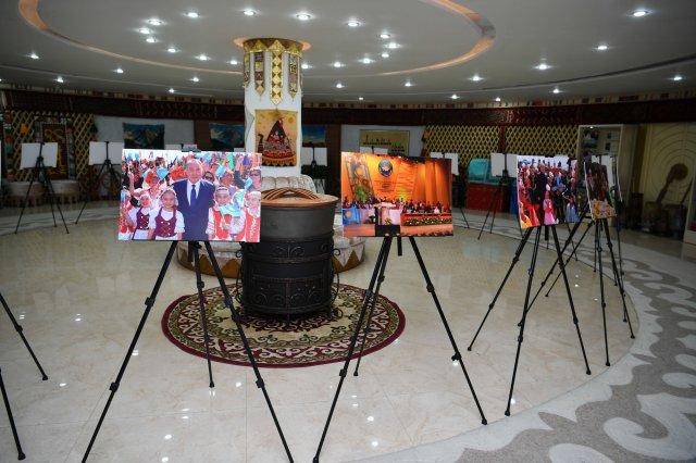 В столичном Доме дружбы состоялась выставка, посвященная 30-летию Независимости Казахстана