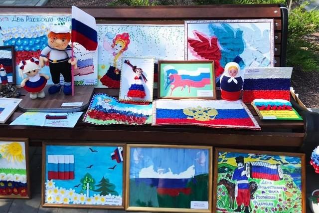 22 августа, в День Государственного флага Российской Федерации в Азове пройдет выставка рисунков