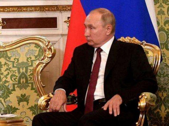 Меркель просит Путина за Навального, а США вводят новые санкции