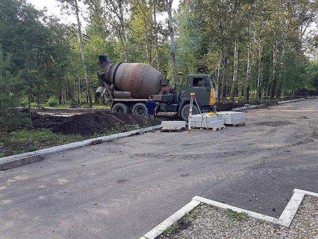 Первый этап благоустройства озеро-парка «Октябрьский» завершат осенью