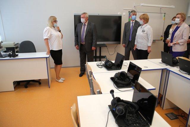 Василий Голубев проверил готовность школ региона к учебному году