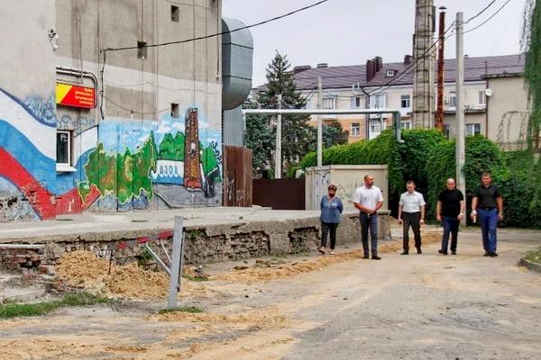 В Азове в очередной раз пообещали открыть общественный туалет